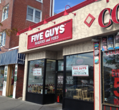 Five-Guys-Rehoboth-Beach-DE-01.png